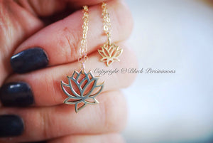 Renge Lotus Flower Charm Necklace - Natural Bronze