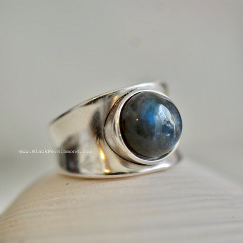 Mohini Labradorite Concave Band Ring - Solid 925 Sterling Silver