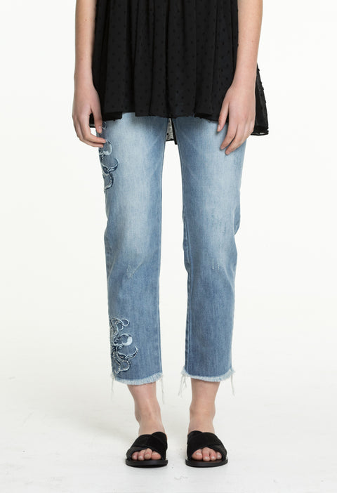 EMBROIDERED JEM JEAN