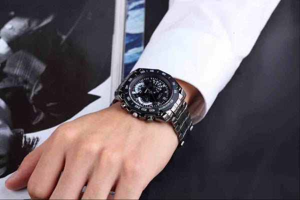 Quartz stainless steel  wristwatch