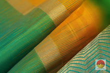 texture of kanchipuram silk saree