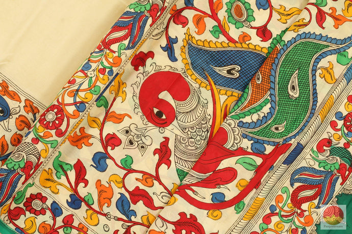 fabric detail of yarn in Kalamkari saree