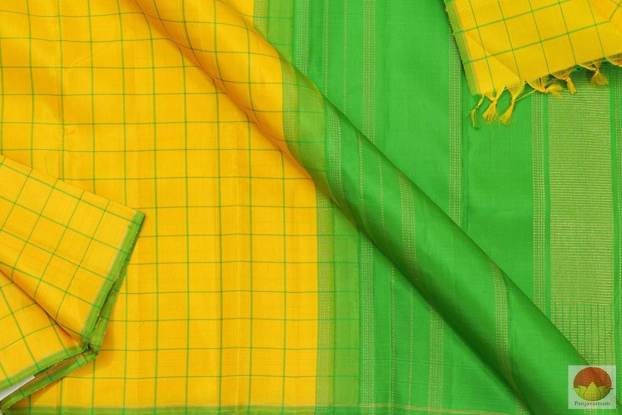 Kanchipuram Silk Saree - Handwoven Pure Silk - Borderless - Pure Zari - PV G 4050 Archives