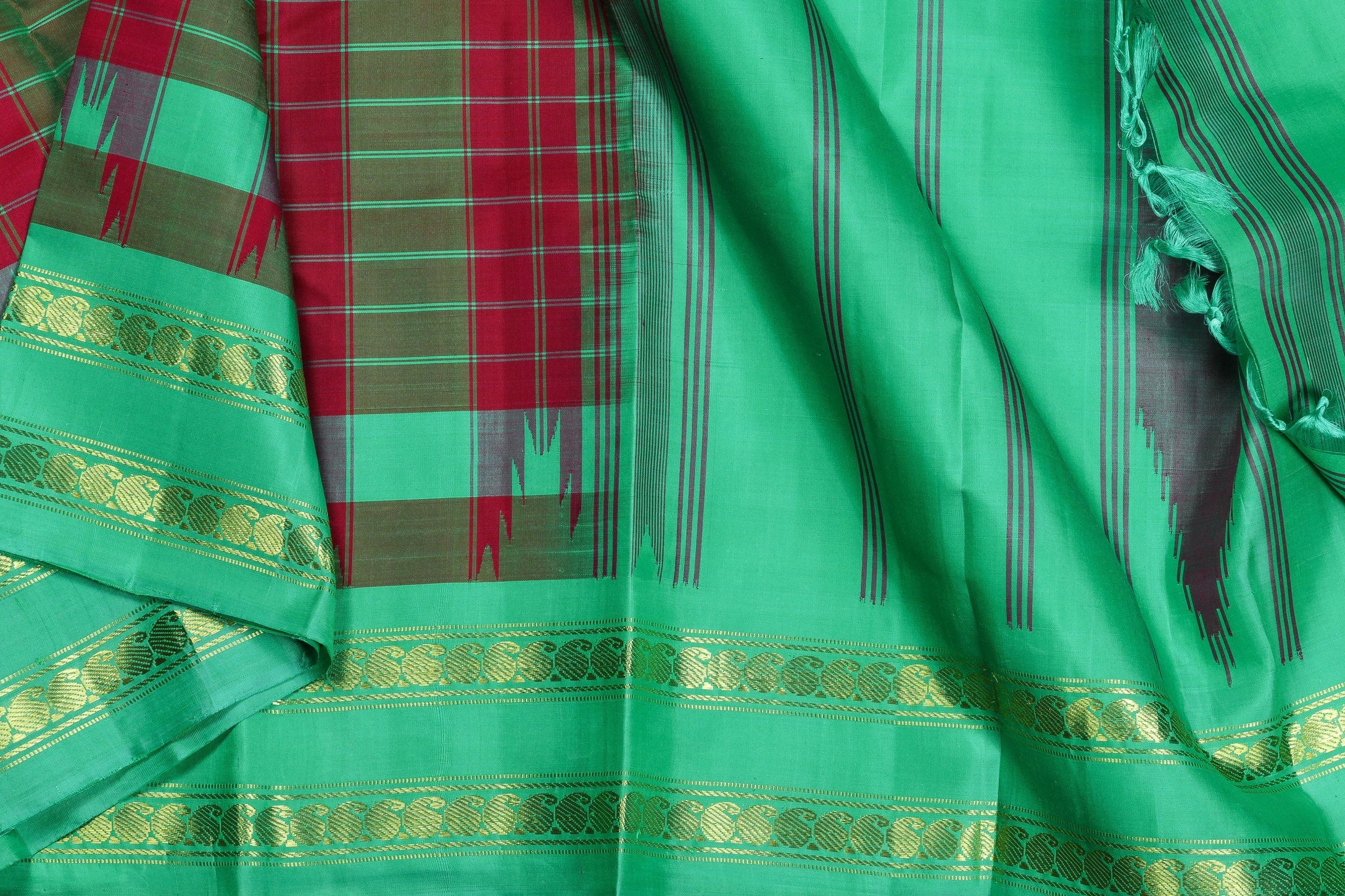 Temple Border Handwoven Kanjivaram Pure Silk Saree - Self Checks - PVA 0418 1212 Archives