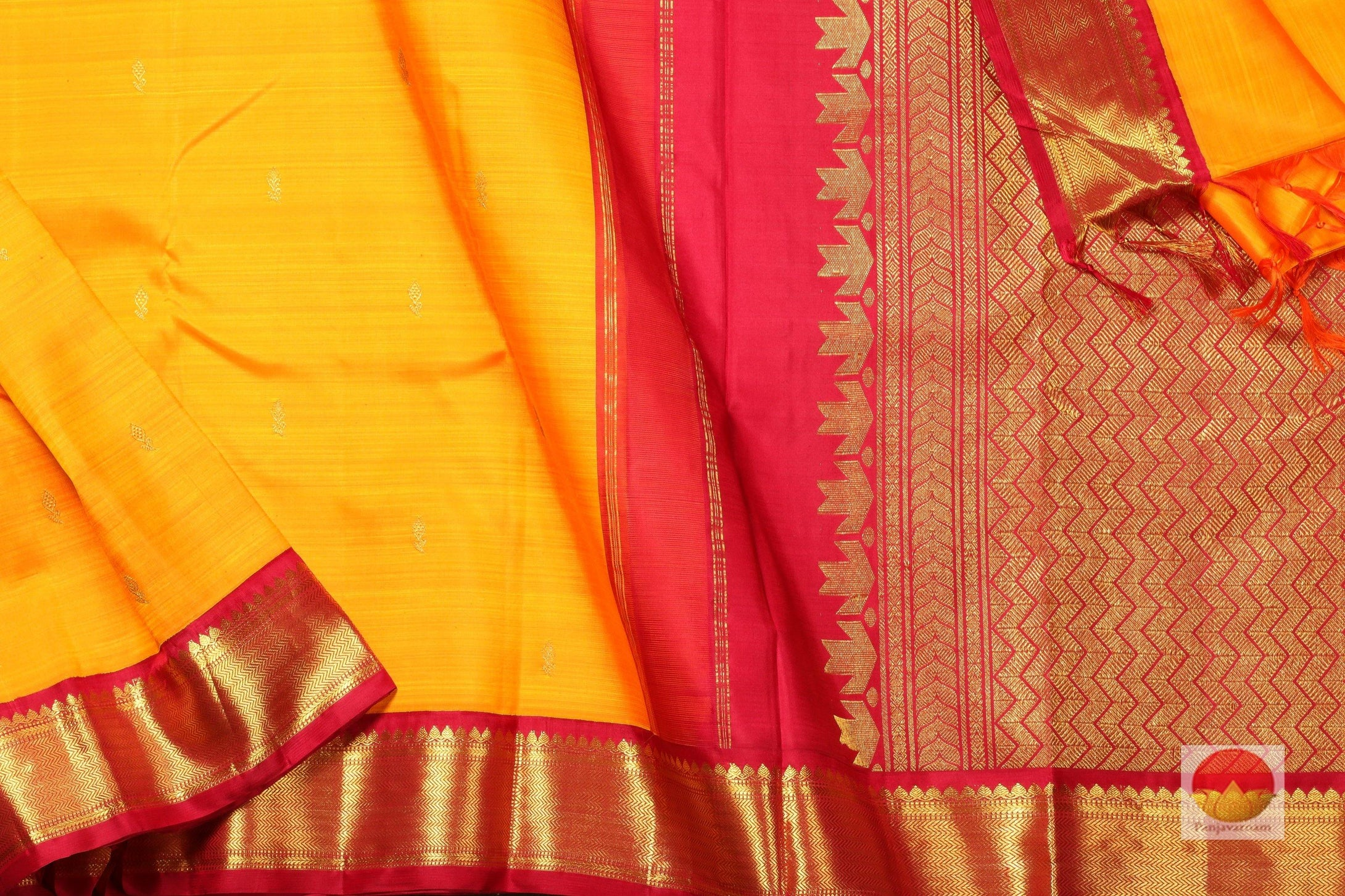 body and pallu of mango yelloa kanjivaram pure silk saree