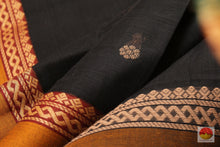 fabric detail of yarn in  cotton saree