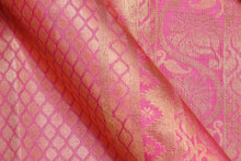 fabric detail of silk yarn in  pink bridal kanjivaram silk saree