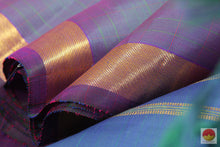 Load image into Gallery viewer, fabric detail of kanjivaram pure silk saree