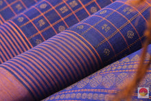 Load image into Gallery viewer, fabric detail of yarn in silk cotton saree