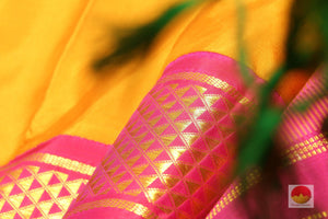 zari detail of  9 yards kanjivaram saree