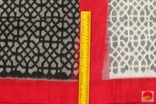 Load image into Gallery viewer, fabric detail of pochampally linen silk saree