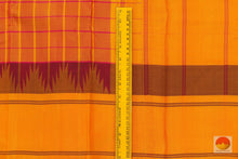 Load image into Gallery viewer, border details of kanchipuram silk saree