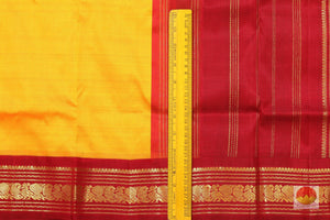 fabric detail of yarn in 9 yards kanjivaram silk saree