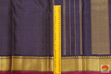 Load image into Gallery viewer, border detail of kanjivaram silk saree