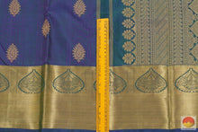 border detail of kanchipuram silk saree