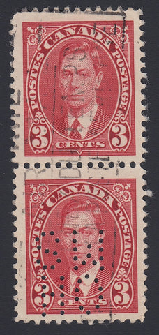 0260CA1804 - Canada OA233 'C Z' - Used Vertical Pair