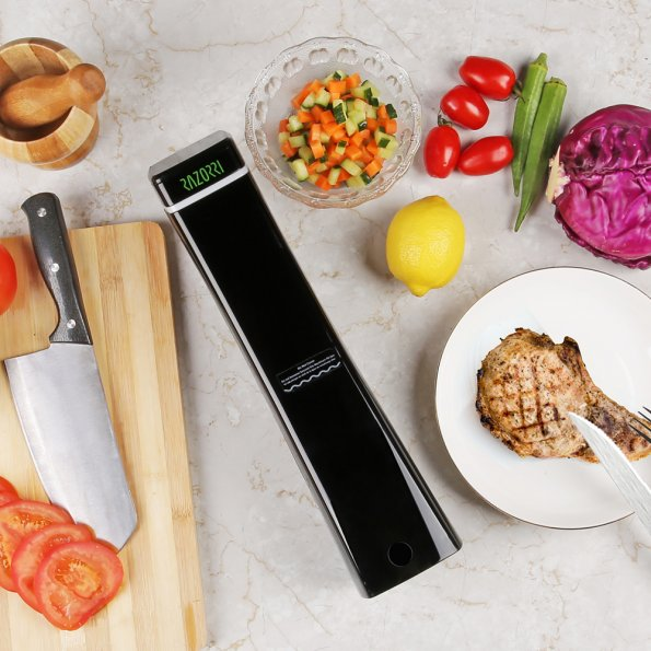 The Smart Razorri Sous Vide Device Prepares Your Meals Perfectly