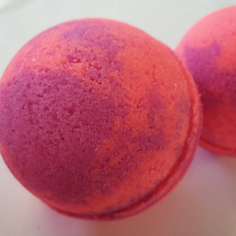Berries Magnesium Bath Bomb