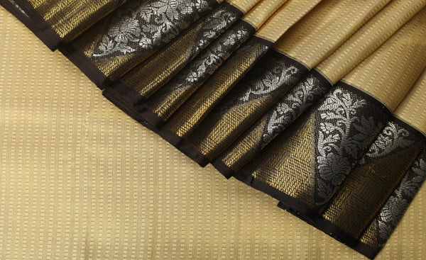 Cream & Black Pure Kanchipuram Handloom Silk Saree With 1G Zari