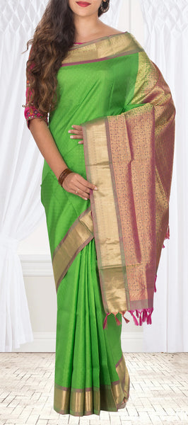Parrot Green Lightweight Pure Kanchipuram Handloom Silk Saree
