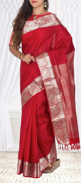 Deep Red Lightweight Kanchipuram Silk Saree