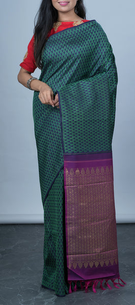 Borderless Dark Blue Kanchipuram Silk Saree