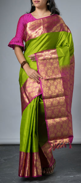 Parrot Green Lightweight Kanchipuram Silk Saree