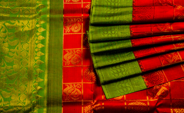 Chilli Red & Chutney Green Pure Kanchipuram Handloom Silk Saree With Half-Fine Zari