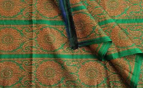 Heavy Attached Border With Threadwork