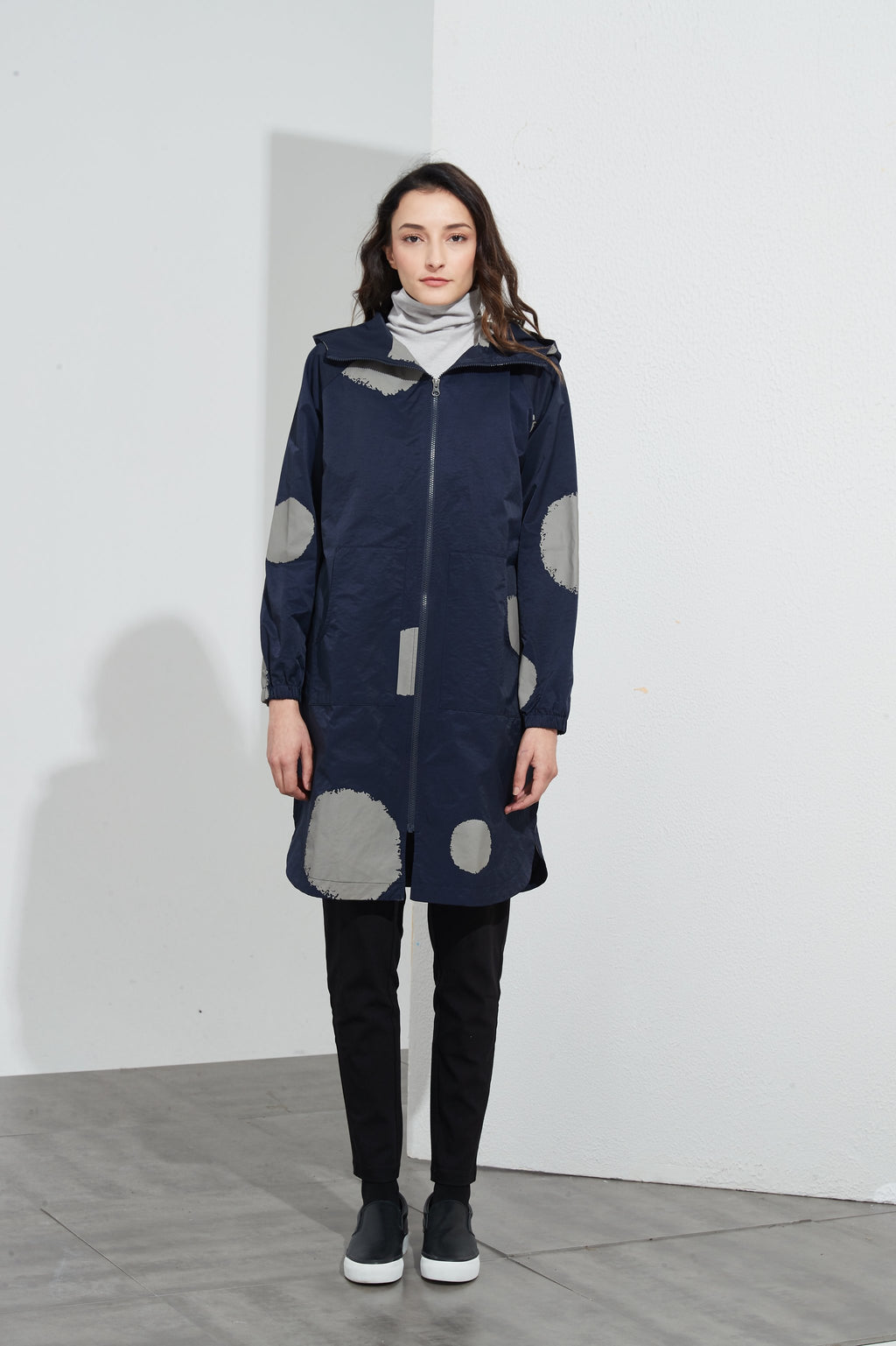 ELASTIC SLEEVE OVERCOAT - NAVY BIG SPOT
