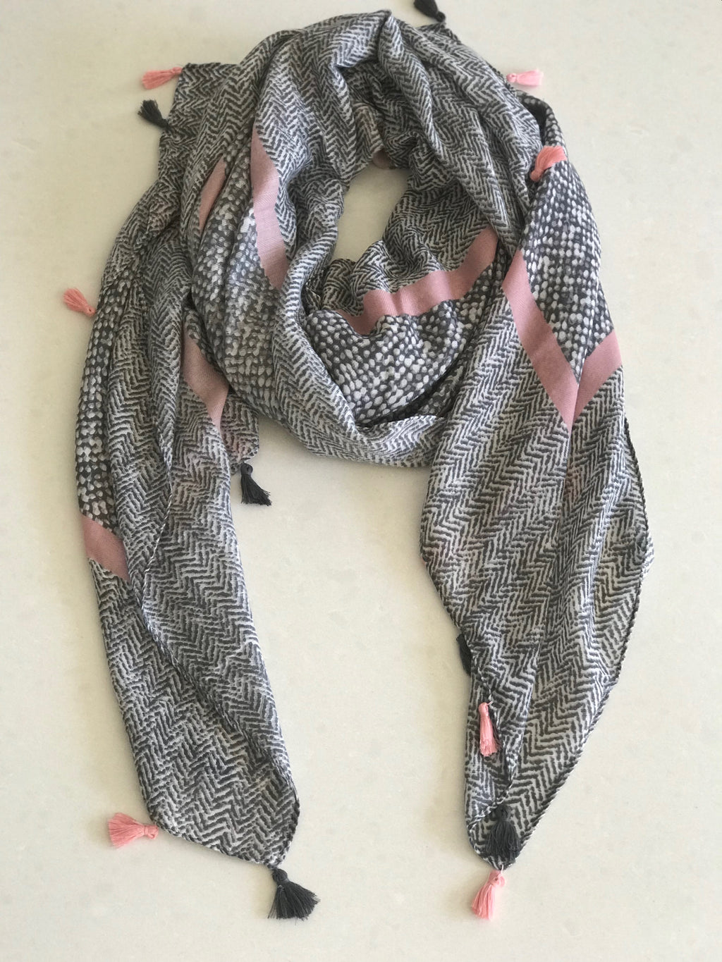Dotted Scarf - Soft Grey/Pink