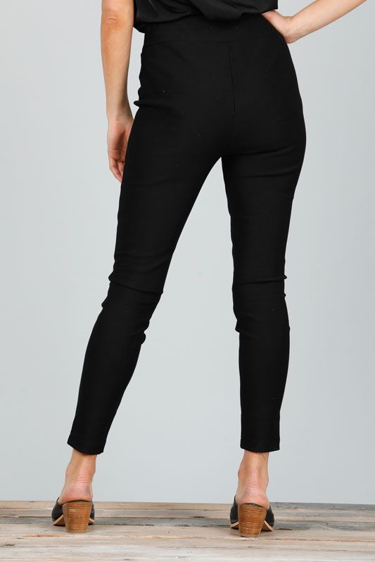 RUNWAY PANTS - BLACK