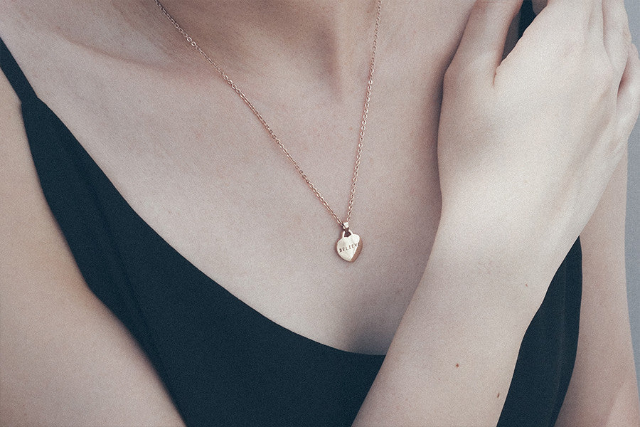 modern minimalist jewelry design heart shape pendant necklace