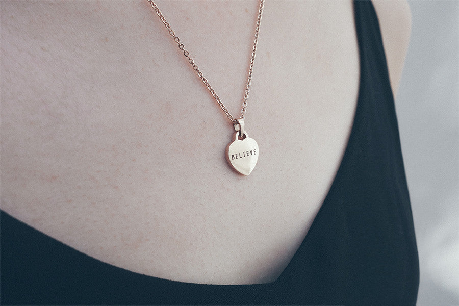 modern jewellery design love shape pendant with laser engraving word believe