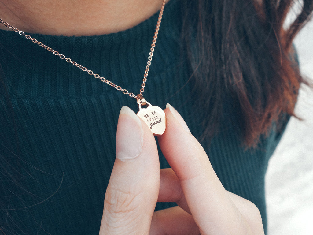 Personalised Jewelry as a present or gift for family, friends and loved ones