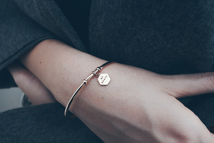 Customise your personal bracelet with hexagon pendant
