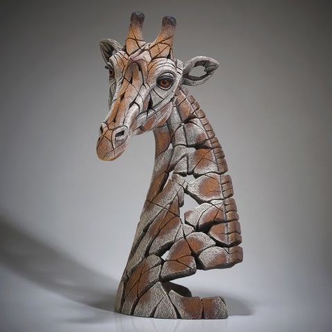 Giraffe by Edge Sculpture