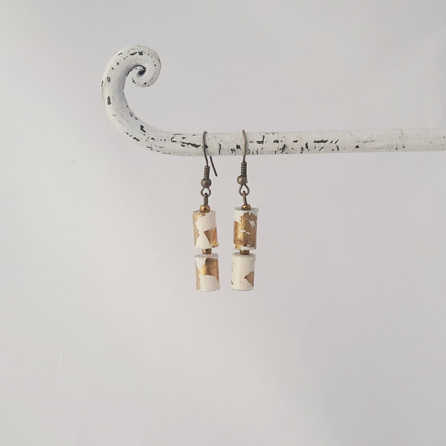Anena Earrings Natural White&Gold