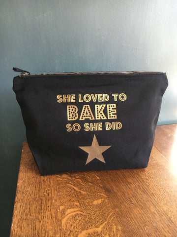 She loved to BAKE accessories pouch/make up bag