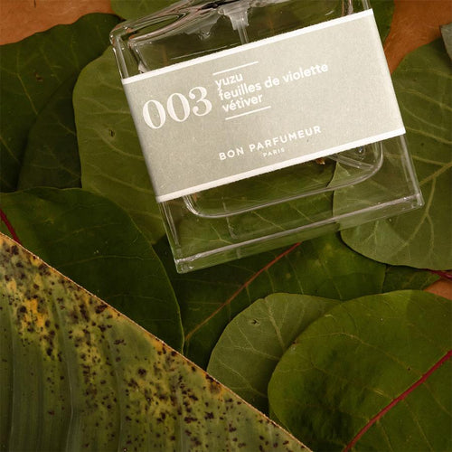 003: Yuzu / Violet Leaves / Vetiver Mini Shot