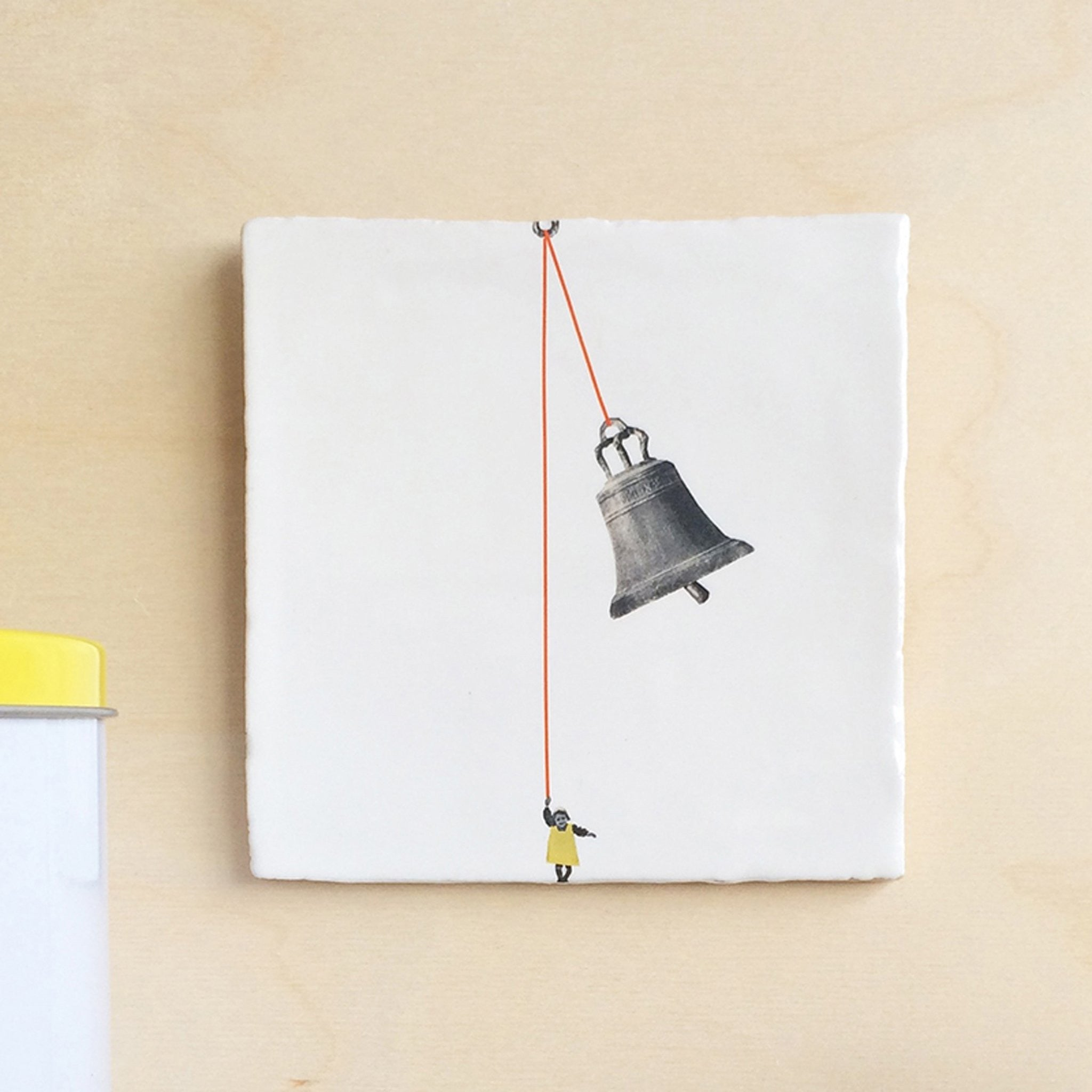 Storytiles The Bell Ringer - A Luz Natural