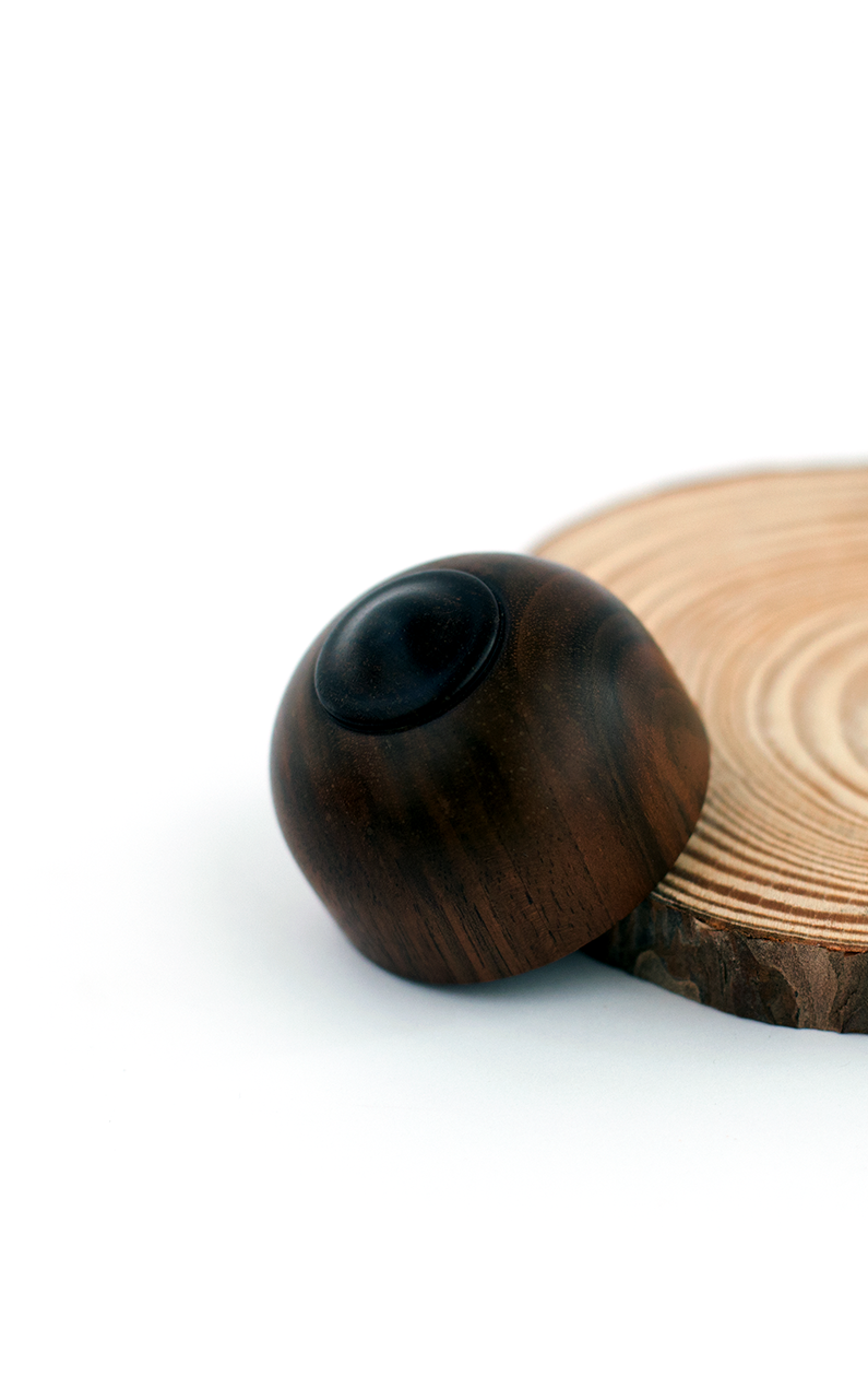 Filipe Ribeiro - Woodturned American Walnut Box - A Luz Natural