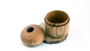 Filipe Ribeiro - Woodturned Portuguese Walnut Box (8 cm) - A Luz Natural
