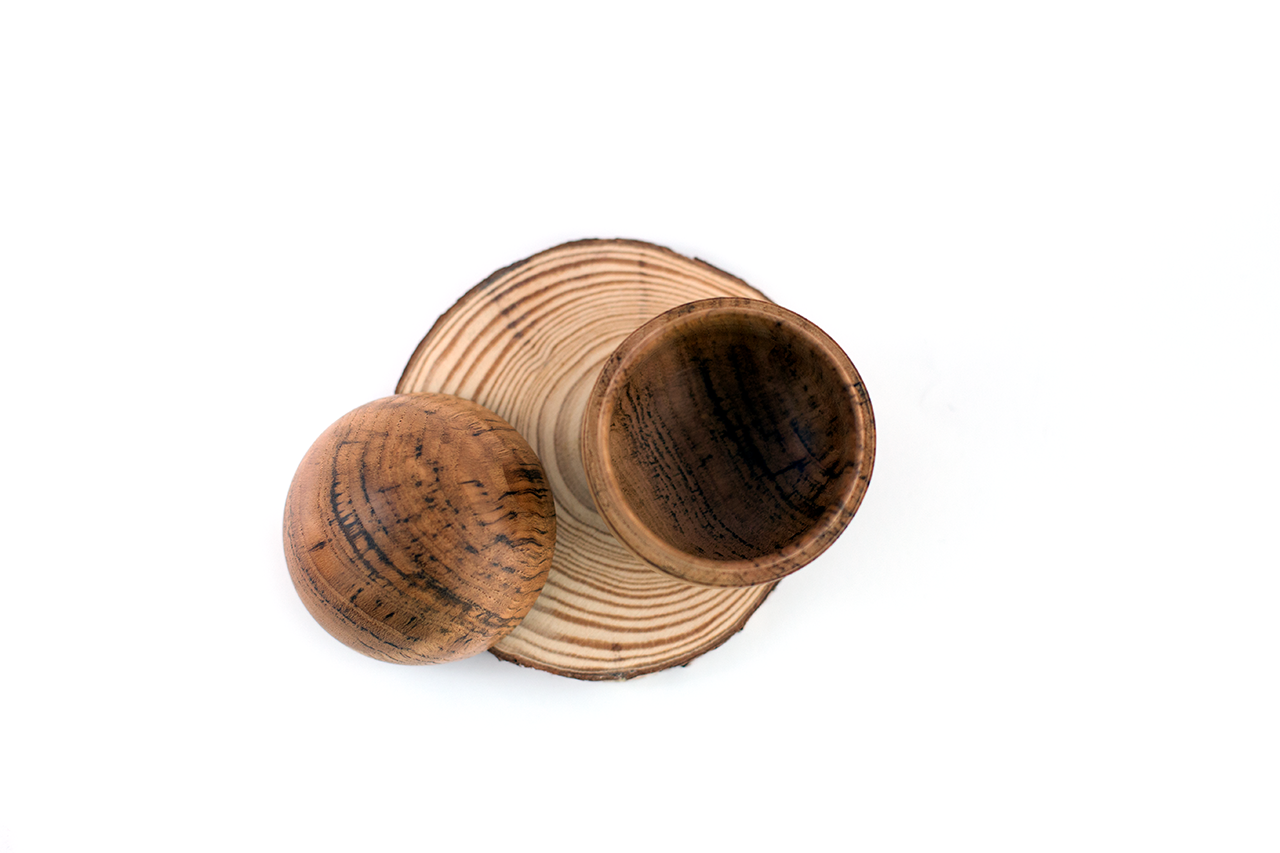 Filipe Ribeiro - Woodturned Oak Box - A Luz Natural