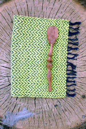 Gemeines Holz - Handcarved apple wood spoon - A Luz Natural