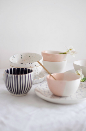 Homes in Colour - White & Peach Pink Bowl with Golden Rim - A Luz Natural