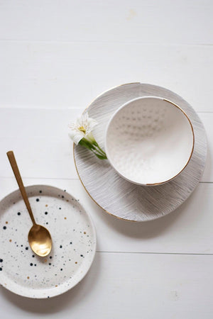 Homes in Colour - Textured Bowl with Golden Rim - A Luz Natural