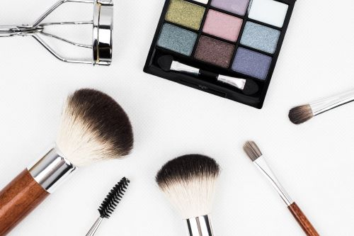Poor Cyber-Security on Major Cosmetics brand