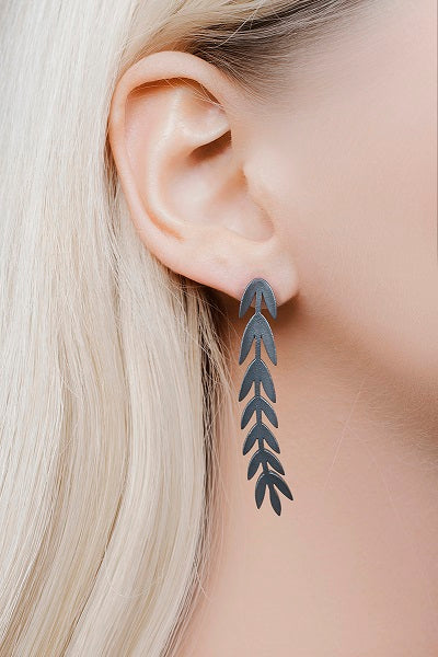 VARJO long earrings black