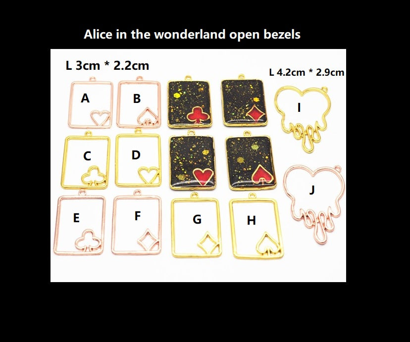 Alice in the wonderland open bezel | Poker card open bezel | UV resin open bezel | Gold charm | Poker charm